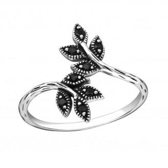 "Stříbrný prsten se zirkony ""Exquisita"". Ag 925/1000"